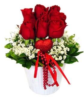 9 kırmızı gül seramik ve kalp çubuk  İstanbul anneler günü çiçek yolla