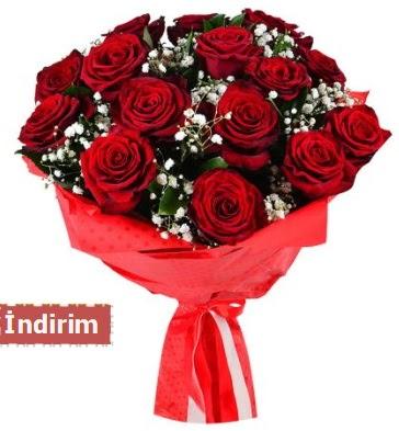 12 Adet kırmızı aşk gülleri  İstanbul çiçek online çiçek siparişi