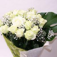 İstanbul kaliteli taze ve ucuz çiçekler  11 adet sade beyaz gül buketi