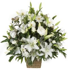sepet içerisinde karisik mevsim çiçekleri  İstanbul çiçek gönderme sitemiz güvenlidir