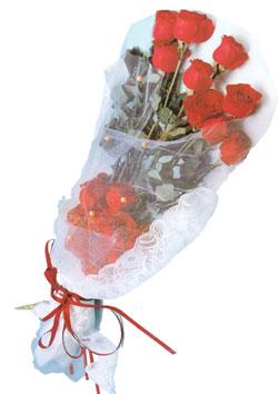 11 adet kirmizi güller buket tanzimi   İstanbul yurtiçi ve yurtdışı çiçek siparişi