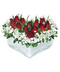 İstanbul İnternetten çiçek siparişi  mika kalp içerisinde 9 adet kirmizi gül