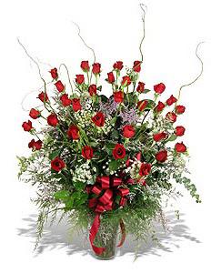 İstanbul yurtiçi ve yurtdışı çiçek siparişi  33 adet kirmizi gül vazo içerisinde