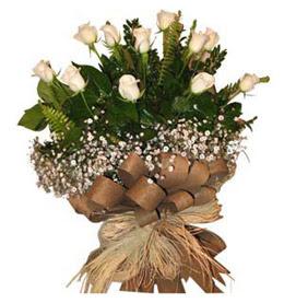 İstanbul hediye sevgilime hediye çiçek  9 adet beyaz gül buketi