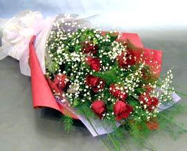 10 adet kirmizi gül çiçegi gönder  İstanbul ucuz çiçek gönder