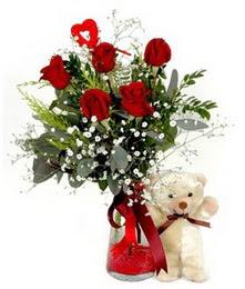 İstanbul çiçek siparişi vermek  5 adet kirmizi gül ve pelus ayicik kalp çubuk