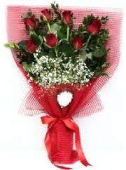 7 adet kırmızı gülden buket tanzimi  İstanbul çiçek gönderme