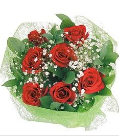 7 adet kırmızı gülden buket tanzim  İstanbul çiçek gönderme