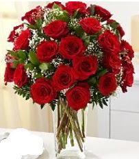 Vazo içerisinde 33 adet kırmızı gül  İstanbul çiçek gönderme