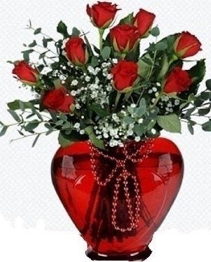 Kalp cam mika içinde 9 adet kırmızı gül  İstanbul online çiçekçi , çiçek siparişi
