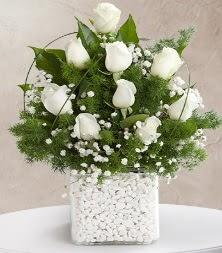 9 beyaz gül vazosu  İstanbul çiçek online çiçek siparişi