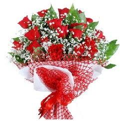 11 kırmızı gülden buket  İstanbul çiçek , çiçekçi , çiçekçilik