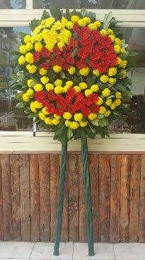 Cenaze çelengi çiçek modeli  İstanbul internetten çiçek satışı