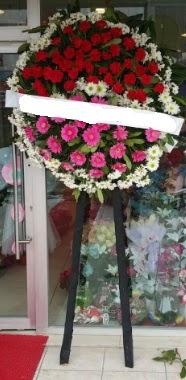 Cenaze çiçek modeli  İstanbul İnternetten çiçek siparişi