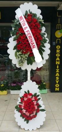 Çift katlı düğün nikah çiçeği modeli  İstanbul yurtiçi ve yurtdışı çiçek siparişi