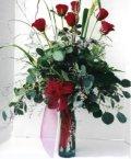 İstanbul yurtiçi ve yurtdışı çiçek siparişi  7 adet gül özel bir tanzim