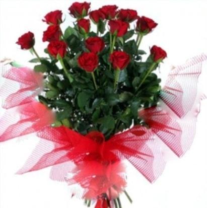 15 adet kırmızı gül buketi  İstanbul çiçek gönderme