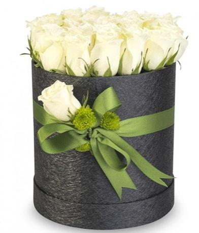 27 adet beyaz gülden görsel kutu çiçeği  İstanbul çiçek yolla , çiçek gönder , çiçekçi