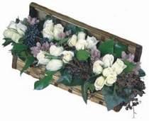 Hediye Çiçek İnternetten çiçek siparişi  13 adet beyaz sandikta gül